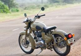 royal enfield classic motorbike wallpapers in hd 1395