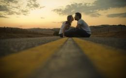 Loving Couple Kiss In Road HD Love Wallpaper