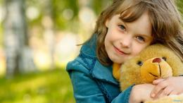 Cute Little Girl With Her Teddy Bear HD Wallpaper 1280 x 720