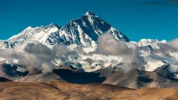 Beautiful Mount Everest in HD resolution