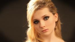 Gorgeous Abigail Breslin Desktop Wallpapers 1356