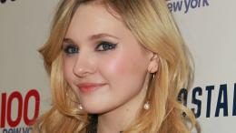 abigail breslin wide hd wallpaper download abigail breslin images free 1910