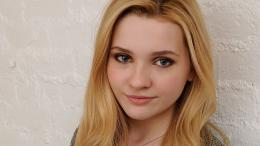 Abigail Breslin Desktop Wallpapers 1240
