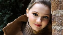"Abigail Breslin is an American actress, known for the films ""My 1120"