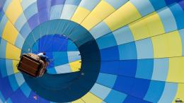 Download wallpaper Hot air balloon flight: 1550