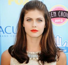 Alexandra Daddario HD Wallpapers 1297