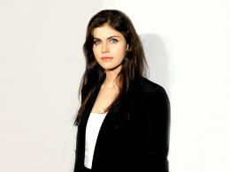 Alexandra Daddario HD Wallpapers 113