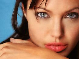 Angelina Jolie HD Wallpaper 611