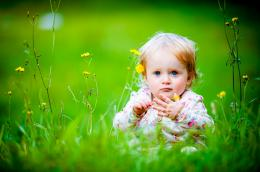 field baby girls hd wallpapers widescreen desktop baby girls images 938