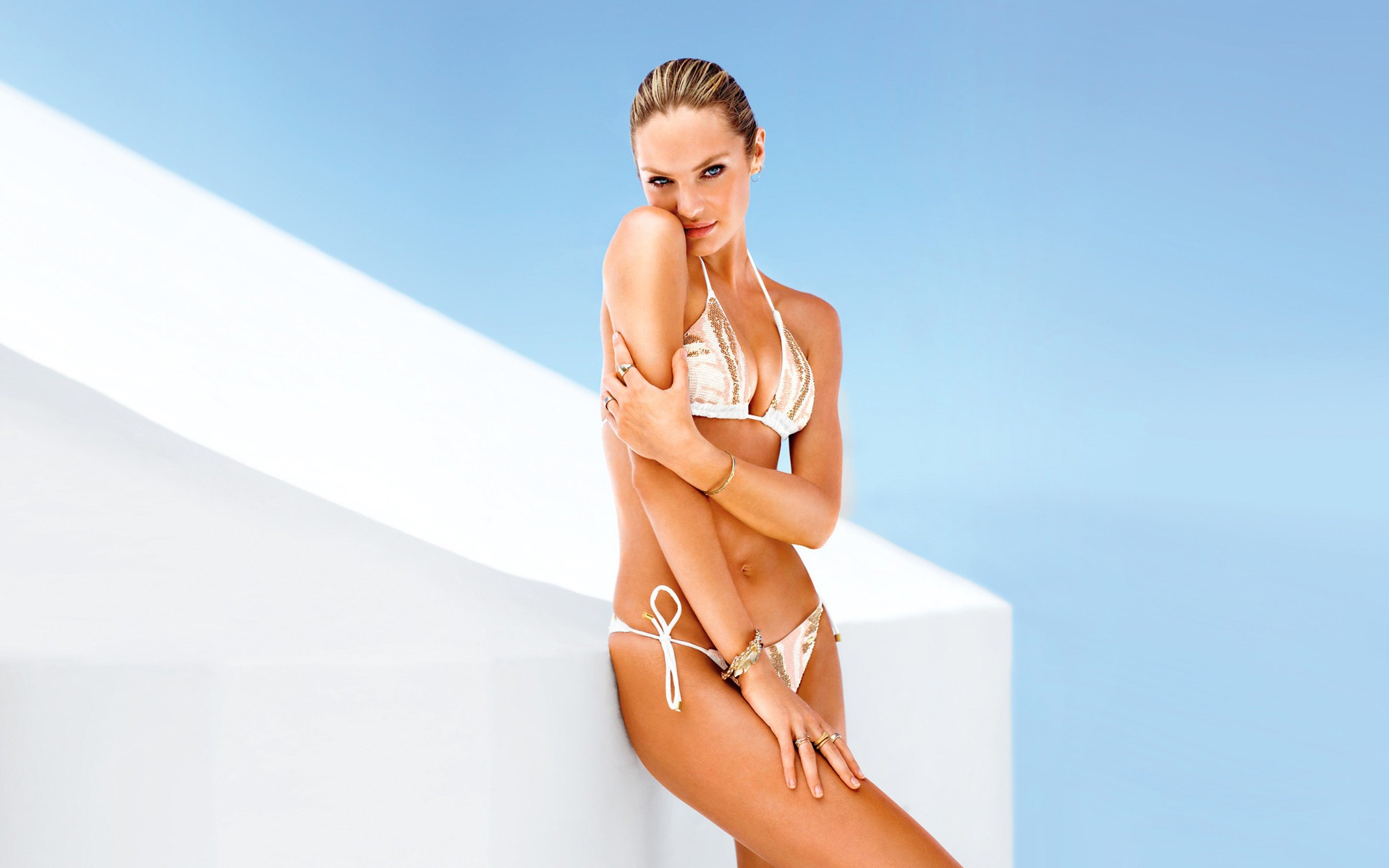 Hot and sensuous Candice Swanepoel latest bikini HD wallpapers for 959