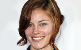 Cassidy Freeman Desktop Wallpaper 1647