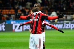 Celebration Hd Wallpaper : Mario Balotelli Celebration Hd Wallpaper 1453