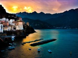 Sea and the town of Amalfi, Italy Desktop wallpapers 1024x768 1189