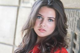 Danielle Campbell HD Wallpaper | Danielle Campbell Photos | Cool 1360