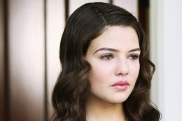 Danielle Campbell Sizzling Wallpaper,Images,Pictures,Photos,HD 723