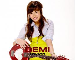 File Name : Beauty Demi Lovato Wallpaper 740