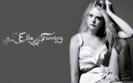 elle fanning black and white elle fanning in pink dress elle fanning 1117