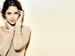 Esha Gupta Wallpapers 1013