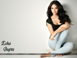 Esha Gupta\'s Wallpapers 849