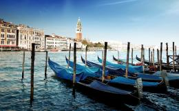 Gondolas venice Wallpapers Pictures Photos Images 304