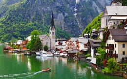 Fall In Hallstatt Austria | 2550 x 1600 | Download | Close 1222