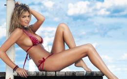 Kate Upton Bikinis de Playa 1896