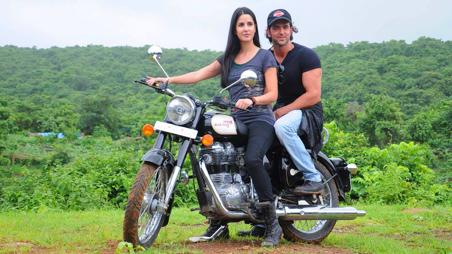 Katrina kaif and Hritik Roshan on Bike 1995