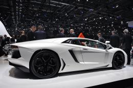 Lamborghini Aventador LP700 4 cars wallpaper gallery and all features 528