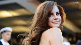 Lana Del Ray Rey Celebrity Wallpaper with 1366x768 Resolution 407