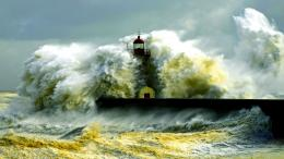 Waves Crashing Lighthouse HD wallpapers 1457