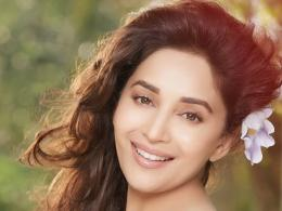 Madhuri Dixit HD Wallpapers 1923