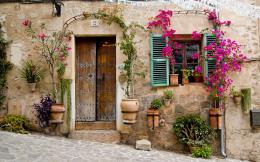 Provence Mallorca buildings stoop door window flowers wallpaper 907