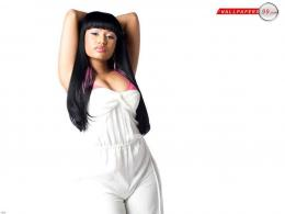 Nicki Minaj Latest Wallpaper with 1024x768 Resolution 452