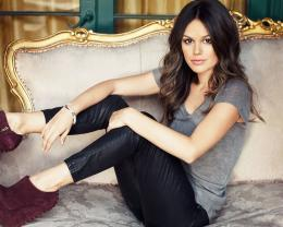Rachel Bilson Best Wallpapers to refresh your computer desktop 1056