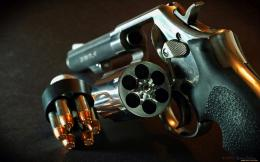Pistol Revolver Bulletes Widescreen HD Wallpaper x03 1005