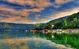 Bicaz lake, Romania | 1920 x 1200 | Download | Close 997
