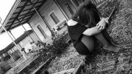 Alone Sad Girl Wallpapers 1099