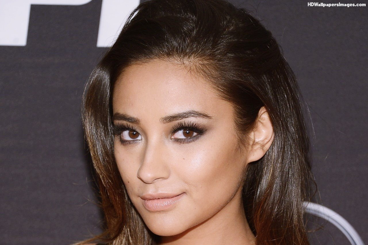 Shay Mitchell Actress #00135, Pictures, Photos, HD Wallpapers 1237