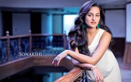 Wallpaper: Sonakshi Sinha Gorgeous HD Wallpaper 955