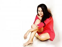 Sonakshi Sinha Biography and HD Wallpapers 1794