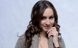 Troian Avery Bellisario Photos,Photo,Images,Pictures,Wallpapers 670