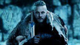 holding sword with diamond handle Vikings TV series HD Wallpaper 1129