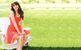 Cute Zooey Deschanel Full HD Wallpaper 1195