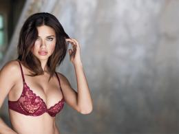adriana lima 1600 x 1200 wallpaper adriana lima hot wallpaper model 168