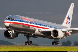 American Airlines N368AA aircraft at Zurich photo 541