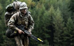 soldiers british army weapon military g wallpaper background 1377