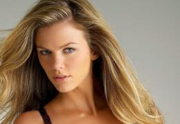 Brooklyn Decker Wallpapers Free Download 218