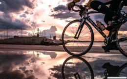 Cycling In Beach 1680×1050 Wallpaper 1676