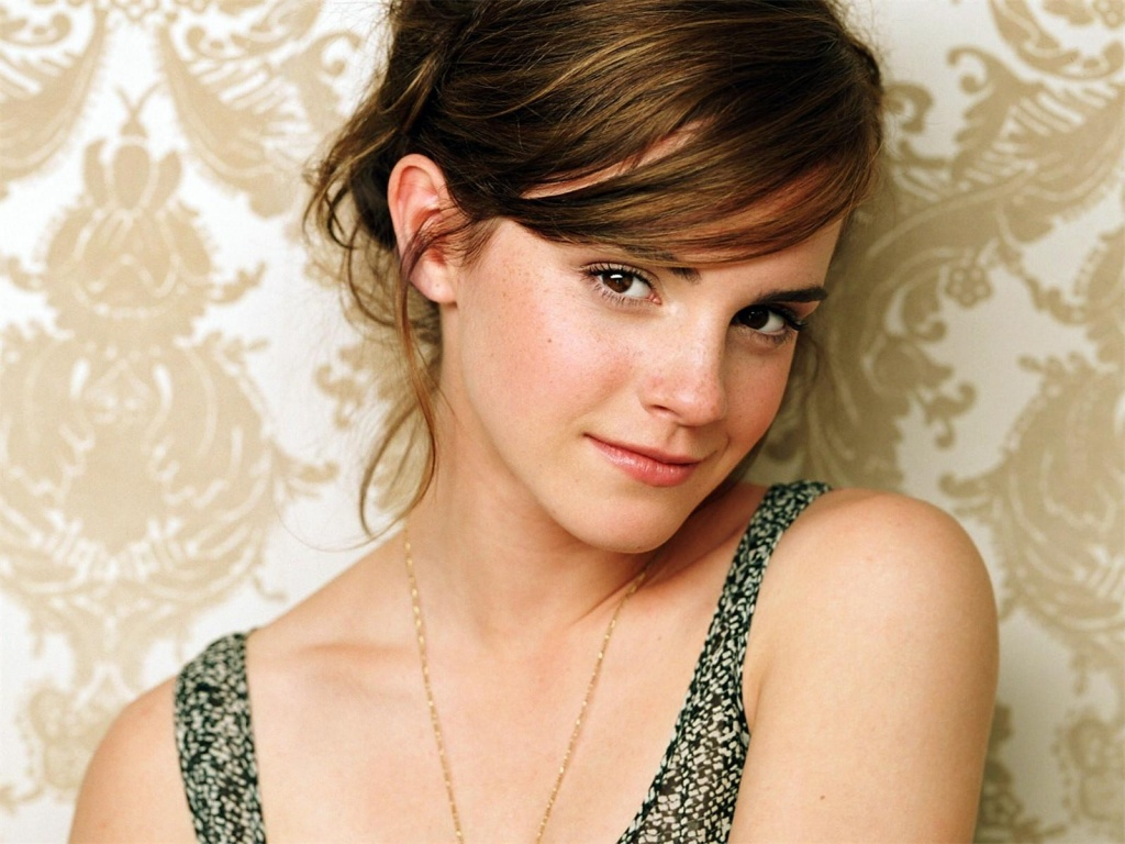 1024x768 Emma Watson cute desktop PC and Mac wallpaper 1631