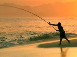 1600x1200 Fishing in the sea desktop PC and Mac wallpaper 1111